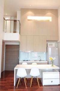 เช่าคอนโดสุขุมวิท อโศก ทองหล่อ : ++เช่าด่วน++  DLV Thonglor 20  ** 2 ห้องนอน Duplex 100.45 ตร.ม. วิวโล่ง ห้องแต่งสวย พร้อมเข้าอยู่!!