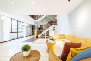 For RentHouseSukhumvit, Asoke, Thonglor : House for rent, Sukhumvit 43, near BTS Phrom Phong.