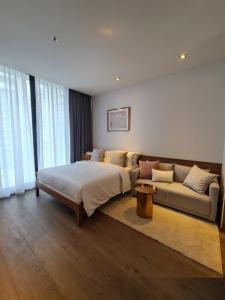 For RentCondoSukhumvit, Asoke, Thonglor : Park24 new room fully furnished covid price 15k 30 sq.m