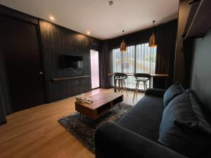 For SaleCondoChiang Mai : M3729-Condo for sale at The Nimman, Chiang Mai has furniture and electrical appliances ready. ready to move in