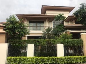 For RentHousePattanakan, Srinakarin : House for rent in resort style, Phatthanakan Road, 5 bedrooms, 5 bathrooms, corner unit, near ARL Hua Mak.