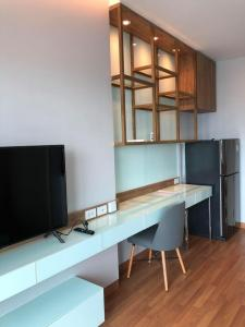 เช่าคอนโดสะพานควาย จตุจักร : 🔥🔥 ห้องสวย!! มีเครื่องซักผ้า!! พร้อมเข้าอยู่!! [ลุมพินี วิภาวดี-จตุจักร]  Line : @vcassets 🔥🔥