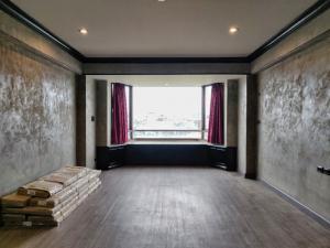 ขายคอนโดเยาวราช บางลำพู : ห้องใหญ่ Style Loft ติดแม่น้ำ แห่งเดียวฝั่งพระนคร ใกล้แบงค์ชาติ