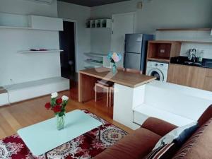 For RentCondoOnnut, Udomsuk : FOR RENT :: Blocs 77 : Corner room Nice view Fullu furnished Near BTS ON Nut (L21_0340)