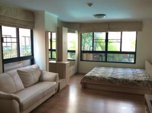 For RentCondoKhlongtoei, Kluaynamthai : Condo for rent, Lumpini Place, Rama 4, Sathorn, corner room, pool view
