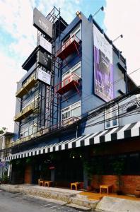 ขายขายเซ้งกิจการ (โรงแรม หอพัก อพาร์ตเมนต์)รัชดา ห้วยขวาง : ขายโรงแรม เดอะ เนบอร์ ฮูต โฮสเทล แอนด์ คาเฟ่ ใกล้ MRT ห้วยขวาง