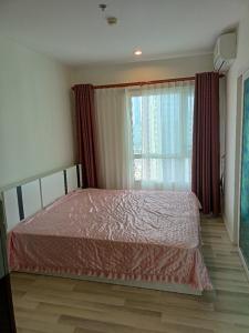 For RentCondoSathorn, Narathiwat : Beautiful room, top corner, high floor, The Key Sathorn-Charoenrat, 35th floor, unblocked view. This side view is very quiet. Excellent price!!
