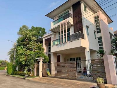 ขายบ้านนวมินทร์ รามอินทรา : AH131ขายบ้านเดี่ยว3 ชั้น หมู่บ้าน Grand Bangkok Boulevard รัชดา-รามอินทรา หลังมุม เฟอร์นิเจอร์บิ้วท์อินทั้งหลัง