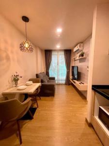 เช่าคอนโดอ่อนนุช อุดมสุข : 🌺The Light New York สุขุมวิท 64 ให้เช่าคอนโด 1 ห้องนอน 1 ห้องนั่งเล่น กั้นห้องแยกเป็นสัดส่วน ห้องขนาด 29 ตรม ชั้น 2 พร้อมระเบียง