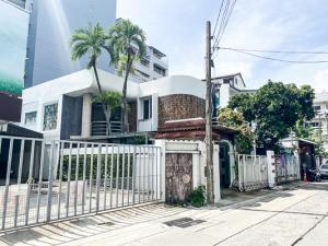 ขายบ้านอารีย์ อนุสาวรีย์ : [[ ขาย ]]  บ้านเดี่ยววินเทจ เกรดงามๆ  พหลโยธิน ซอย 2 ::  มี 2 ชั้น  คุ้มค่าสร้างเต็มพื้นที่ 45  ตรว.