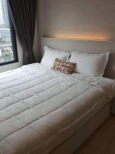 เช่าคอนโดพระราม 9 เพชรบุรีตัดใหม่ : คอนโดให้เช่า ไลฟ์ อโศก   ดินแดง  บางกะปิ ห้วยขวาง 1 ห้องนอน พร้อมอยู่ ราคาถูก