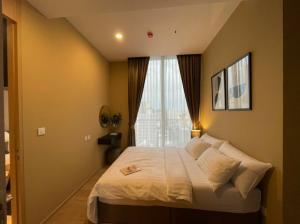 เช่าคอนโดสุขุมวิท อโศก ทองหล่อ : ให้เช่า 1 ห้องนอน ชั้น 20 ตกแต่งดี เฟอร์ครบ พร้อมอยู่ !! Rent 1 Bedroom Nice decoration - Ready to move in !