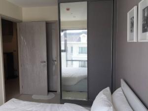 เช่าคอนโดสุขุมวิท อโศก ทองหล่อ : ให้เช่า 1 ห้องนอน ชั้น 7 เฟอร์นิเจอร์ครบ พร้อมอยู่ !! Rent 1 Bedroom Fl.7th Near BTS Thonglor