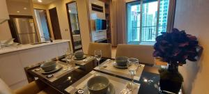 เช่าคอนโดพระราม 9 เพชรบุรีตัดใหม่ : ให้เช่า 2 ห้องนอน ชั้น 23 ตกแต่งดีเฟอร์ครบ พร้อมอยู่ Rent 2 Bedroom Fl.23th Fully Furnished !!!