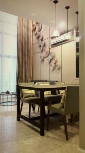 เช่าคอนโดสุขุมวิท อโศก ทองหล่อ : The Crest Sukhumvit 34 2bed 2bath Duplex Sale/Rent Am: 0656199198