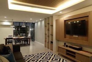 เช่าทาวน์เฮ้าส์/ทาวน์โฮมนานา : 6409-027 ให้เช่า บ้าน สุขุมวิท เอกมัย 3ห้องนอน ระเบียงใหญ่ พื้นที่สวนหน้าบ้าน จอดรถ1คัน