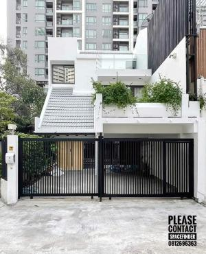 For RentTownhouseSukhumvit, Asoke, Thonglor : Pet Friendly 4 Bedrooms Townhouse For Rent In Phromphong Area