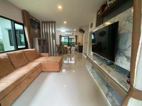 ขายบ้านบางนา แบริ่ง : 6408-502 ขาย บ้าน บางพลี-สมุทรปราการ Mega Bangna Centro Bangna Km.7 4ห้องนอน 2ที่จอดรถ