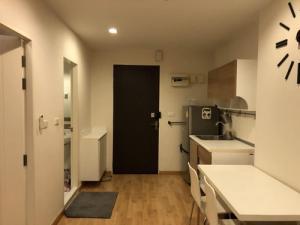 เช่าคอนโดพระราม 9 เพชรบุรีตัดใหม่ : 6408-462 ให้เช่า คอนโด รัชดา พระราม 9 MRTพระราม9 Casa Condo Asoke - Dindaeng 1ห้องนอน วิวสระ