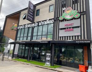 For SaleOfficePattanakan, Srinakarin : show room ติดถนนพัฒนาการตัดใหม่ (กว้างฝั่งละ 3 เลน)