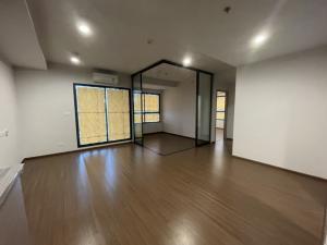 For SaleCondoRatchadapisek, Huaikwang, Suttisan : Best Deal 3 Bedroom on Ratchada Road 450 metres to MRT Sutthisan station