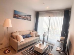 For RentCondoRama9, RCA, Petchaburi : For rent Life Asoke Rama9 🍁 new room 🍁 58 sqm 2 bedrooms 2 bathrooms 🍁 25000 baht only