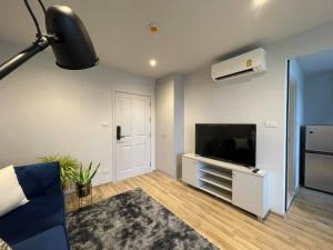 For RentCondoKaset Nawamin,Ladplakao : 🎯NEWERA CONDO EKAMAI - RAMINTRA !! New in box, spacious room, beautiful decoration, fully furnished, ready to move in!! I like negotiating in front of the job.... (T00087)