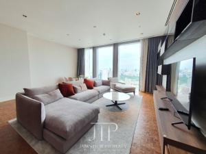 เช่าคอนโดสาทร นราธิวาส : *Good deal for 225sqm 3bed on mid floor at Ritz Carlton Residence*