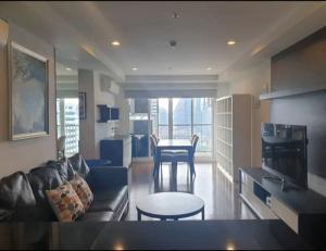 เช่าคอนโดนานา : ให้เช่าคอนโด 15 สุขุมวิท เรสิเดนส์ 15 Sukhumvit Residences condominium for rent.