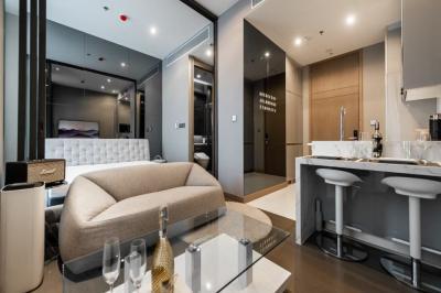 เช่าคอนโดพระราม 9 เพชรบุรีตัดใหม่ : ให้เช่าคอนโดหรู 1ห้องนอน 36 ตารางเมตร The Esse at Singha Complex ห้องสวยแสบตา