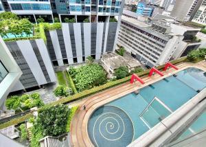 For SaleCondoNana, North Nana,Sukhumvit13, Soi Nana : Trendy Condominium Sukhumvit soi 13 Floor: 12, Bedroom: 1, Bathroom: 2, 1 Parking