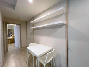 For RentCondoBangna, Lasalle, Bearing : For Rent Ideo Mobi Sukhumvit East Point1 Bedroom Ready to move