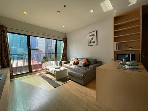 เช่าคอนโดสุขุมวิท อโศก ทองหล่อ : 6408-189 ให้เช่า คอนโด อโศก พร้อมพงษ์ BTSพร้อมพงษ์ NOBLE REFINE 1ห้องนอน ห้องมุม