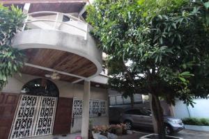 For SaleHouseSathorn, Narathiwat : บ้านซอยนราธิวาส 18 เป็นบ้านเก่าต้องทำใหม่นะค่ะ