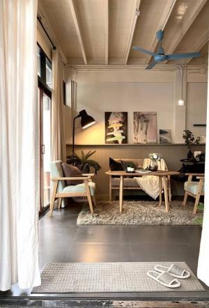 เช่าทาวน์เฮ้าส์/ทาวน์โฮมสุขุมวิท อโศก ทองหล่อ : 2-Storey Townhome for Rent at Ekamai, vintage style decoration, 3 bedrooms
