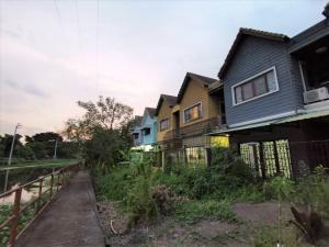 ขายบ้านนวมินทร์ รามอินทรา : ขายจ้า!! ลดเพิ่ม 100,000 บาท ทาวน์โฮม 2 ชั้น หลังริมน้ำ หมู่บ้านแมกไม้วัชรพล