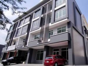 For SaleTownhouseRatchadapisek, Huaikwang, Suttisan : Cheap sale, home office, Soi Rung Rueng, Sutthisan Rd., Ratchadaphisek Road, 290 sq m, 28 sq wa, central location in Ratchada