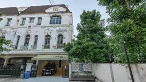 For RentTownhouseRama3 (Riverside),Satupadit : 3-storey townhome for rent, Rama 3, newly decorated, behind the corner, bigger than the others.