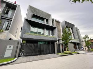 ขายบ้านสุขุมวิท อโศก ทองหล่อ : Selling : Single House with Private In Ekamai - Ramintra  , 3 Bed 4 Bath , 427 sqm , 80 sqw ,3 Parking Lot
