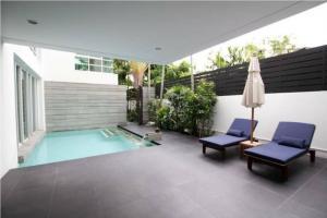 ขายบ้านสาทร นราธิวาส : ขายและให้เช่าบ้านในโซนสาทร พร้อมสระว่ายน้ำส่วนตัว HOUSE WITH SWIMMING POOL FOR SALE/ RENT IN SATHORN