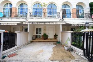 For RentTownhouseKaset Nawamin,Ladplakao : 3-storey townhome for rent, Ekkamai-Ramintra, Soi Nuanchan 32.