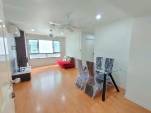 เช่าคอนโดรัชดา ห้วยขวาง : ขาย หรือ ให้เช่า คอนโดลุมพินีวิลล์ ศูนย์วัฒนธรรม ห้วยขวาง กทม. ขนาด 60.50 ตร.ม. ใกล้ MRT ห้วยขวาง, Central พระราม 9  For sale / rent, Condo Lumpini Ville Cultural Center, 60.50 SQ.M. Huai Khwang, BKK Near MRT Huai Khwang