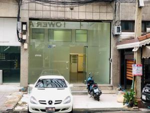 เช่าสำนักงานสุขุมวิท อโศก ทองหล่อ : NA-B9003 ให้เช่าอาคารสำนักงาน 4 ชั้น ในโครงการ Pupalai Place ย่านสุขุมวิท 39