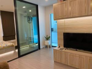 เช่าคอนโดรัชดา ห้วยขวาง : 🎯Aspire Asoke-Ratchada  !! ห้องใหม่แกะกล่อง ห้องกว้าง แต่งสวย เฟอร์ครบ  พร้อมอยู่ !! ชอบต่อรองหน้างานได้น้า.... (T00093)