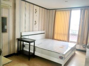 For RentTownhouseRatchadapisek, Huaikwang, Suttisan : H0143-A😊For RENT ให้เช่าทาวน์โฮม 3 ชั้น,🚪3 ห้องนอน🚄ใกล้ ศูนนย์วัฒนธรรมแห่งประเทศไทย🏢เหม่งจ๋าย🔔พื้นที่บ้าน:23.00ตร.วา🔔พื้นที่ใช้สอย:280.00ตร.ม.💲เช่า:28,000฿📞O99-5919653, O86-454O477✅LineID:@sureresidence