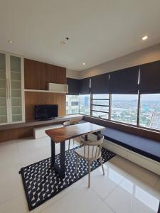 เช่าคอนโดสุขุมวิท อโศก ทองหล่อ : The Emporio Place 1 Bedroom for rent