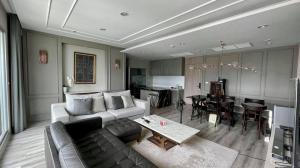 เช่าคอนโดสาทร นราธิวาส : Centric Sathorn St.louise > Penthouse 3 Bedroom 140sqm Fully Furnished