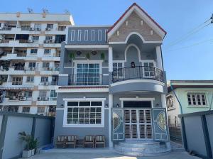 ขายบ้านโชคชัย4 ลาดพร้าว71 : ขายด่วนบ้านเดี่ยวขนาด64 ตารางวา  2 ชั้น ทำเลซอยนาคนิวาส