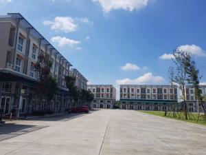 For RentHome OfficeBangna, Bearing, Lasalle : Homeoffice for Rent/Sale, 3.5 Fl. Near Assumption University, Metro Biztown Bangna, Modern European Style