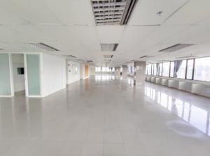 For RentOfficeSukhumvit, Asoke, Thonglor : Huge office for rent at Ocean Tower 1 Office room for rent near Asoke